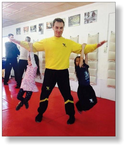 Kidstraining mal anders - wenn der doppelte Fak-Sao zum Wing Tsun Karusell wird