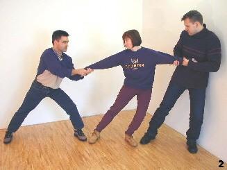 Durch Heranziehen eines Angreifers lässt sich Bewegungsfreiraum generieren