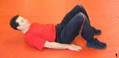 Ausgangslage - Sifu Dragos winkelt seine Beine